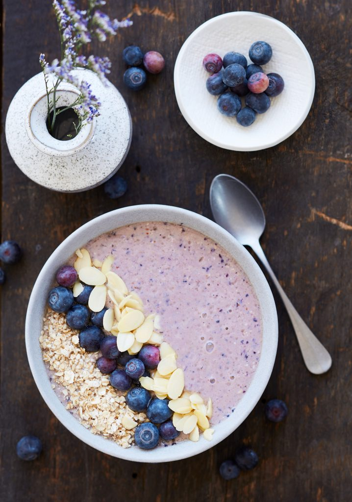 Almond & blueberry complete breakfast bowl