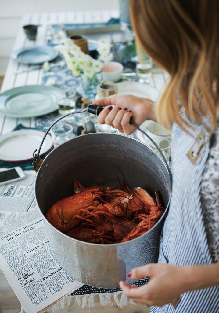 Cuire et décortiquer un homard
