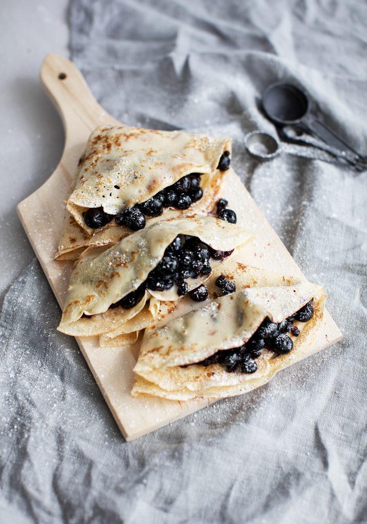 Crêpes aux bleuets & crème anglaise à l'érable à base de tofu