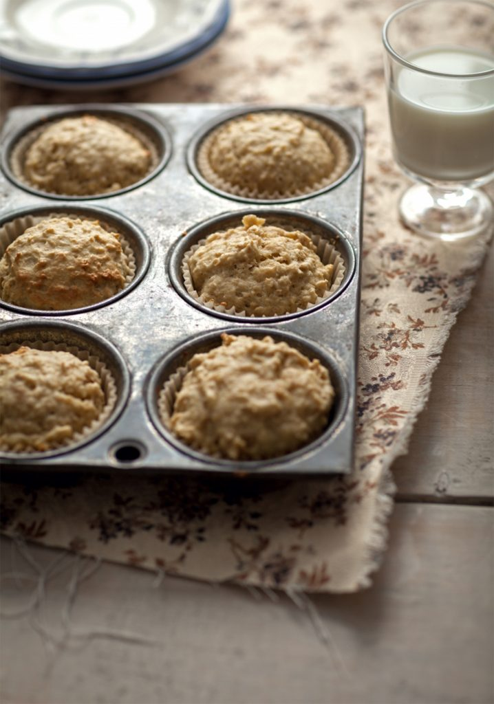 Oatmeal & apple muffins