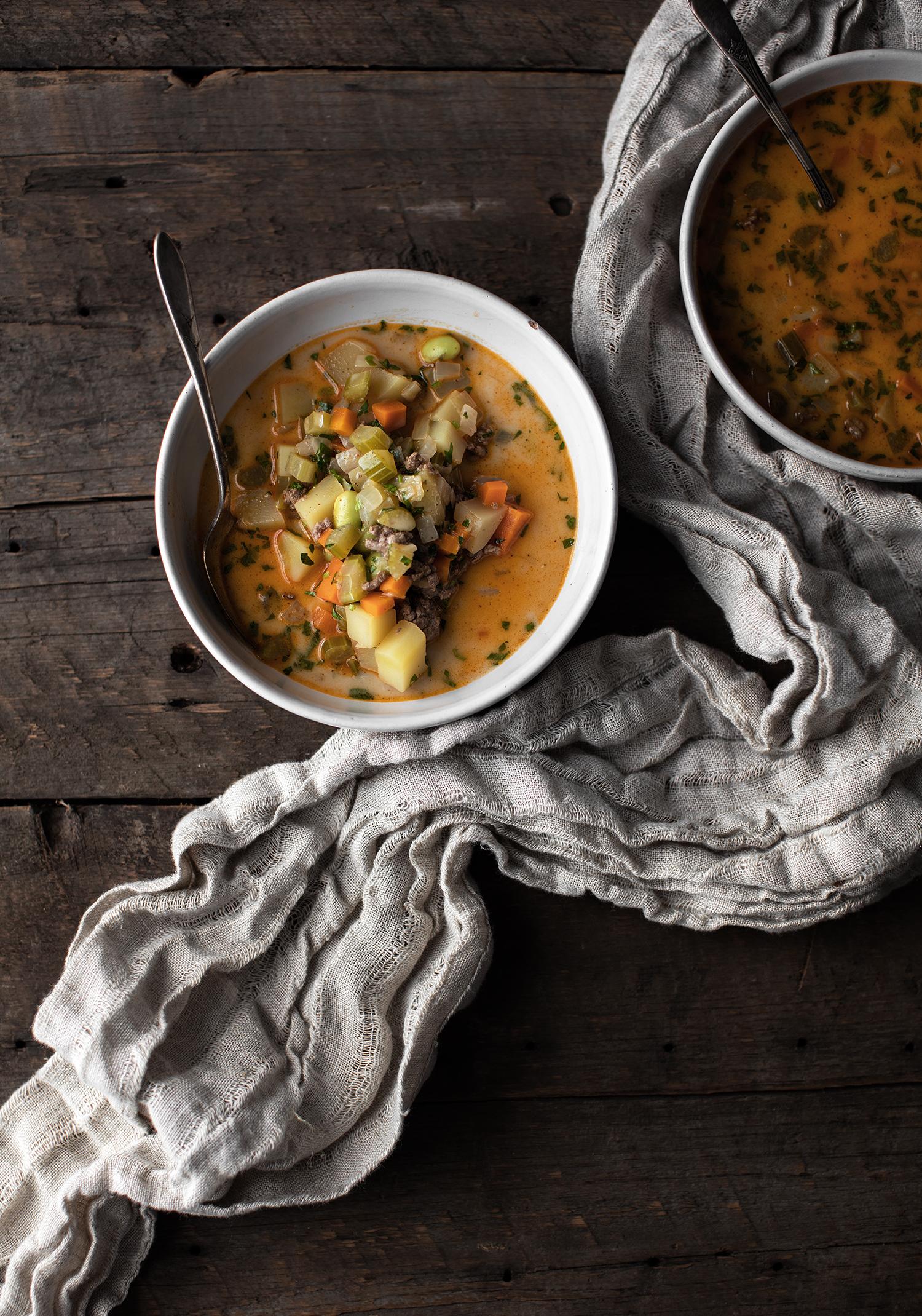 Soupe-repas au boeuf haché, aux légumes et au yogourt