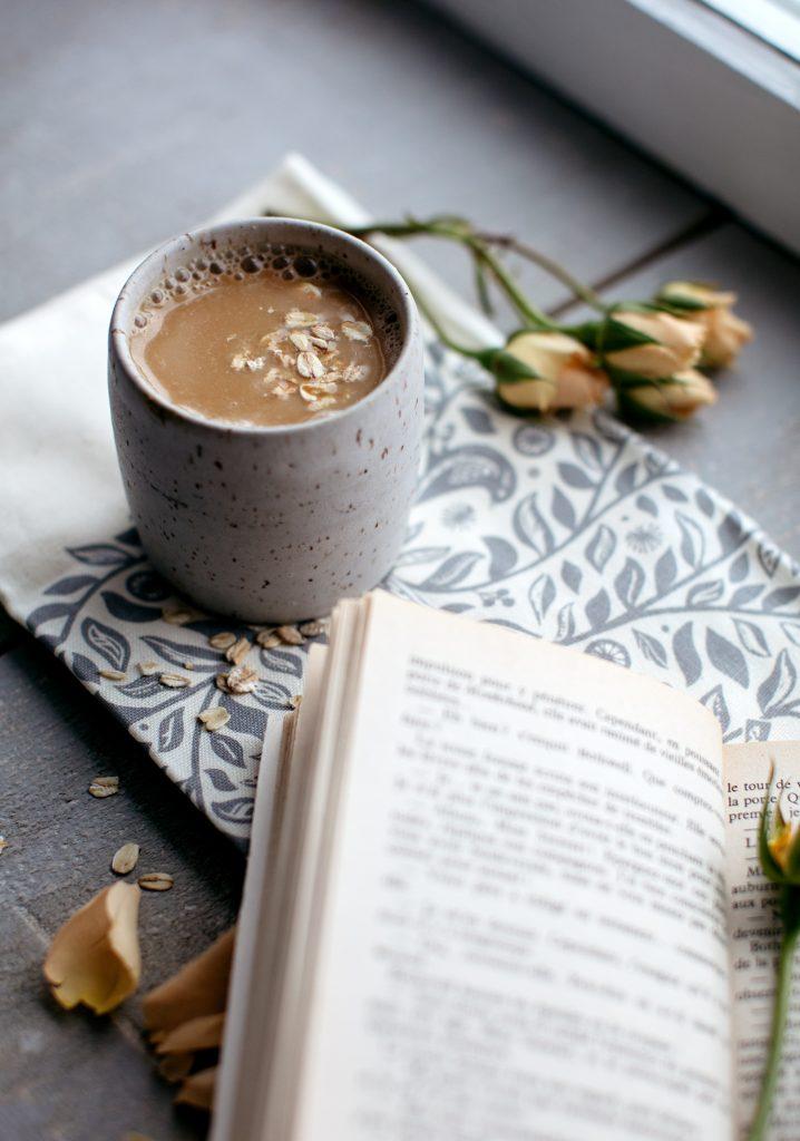Saint-Catherine's day Taffy warm milk (molasses & oatmeal)