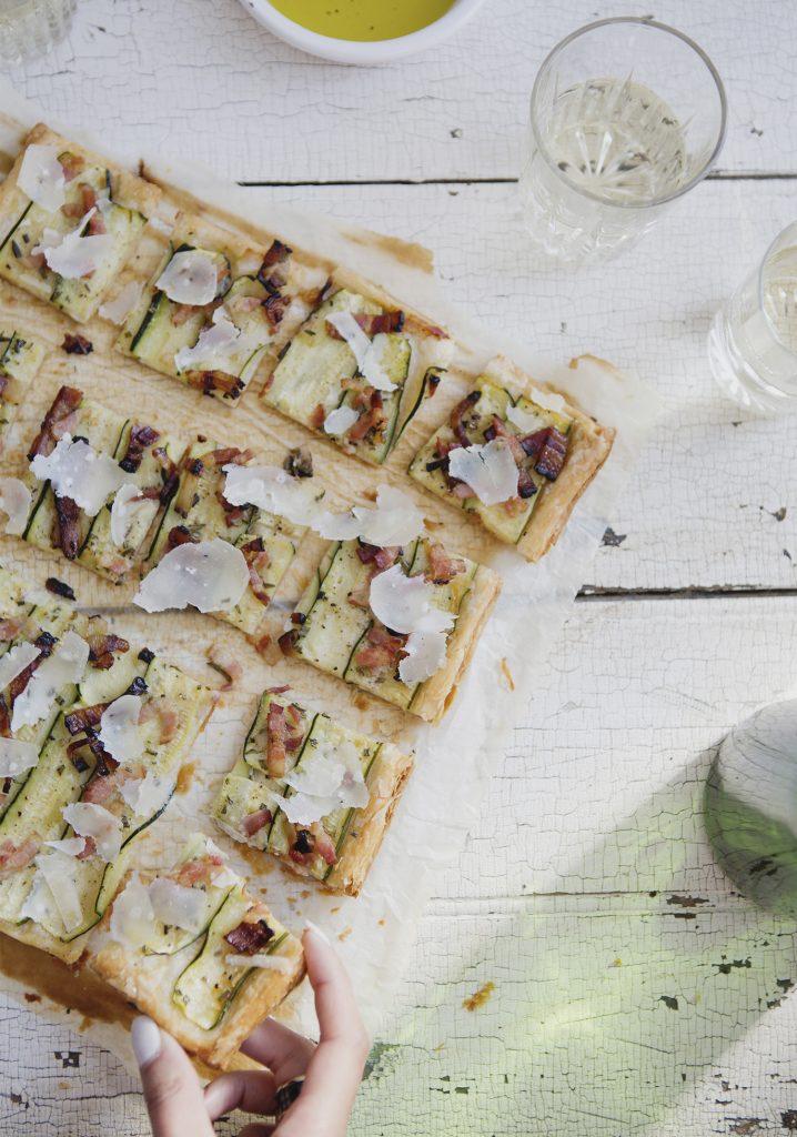 Tarte feuilletée aux courgettes, au bacon & au parmesan
