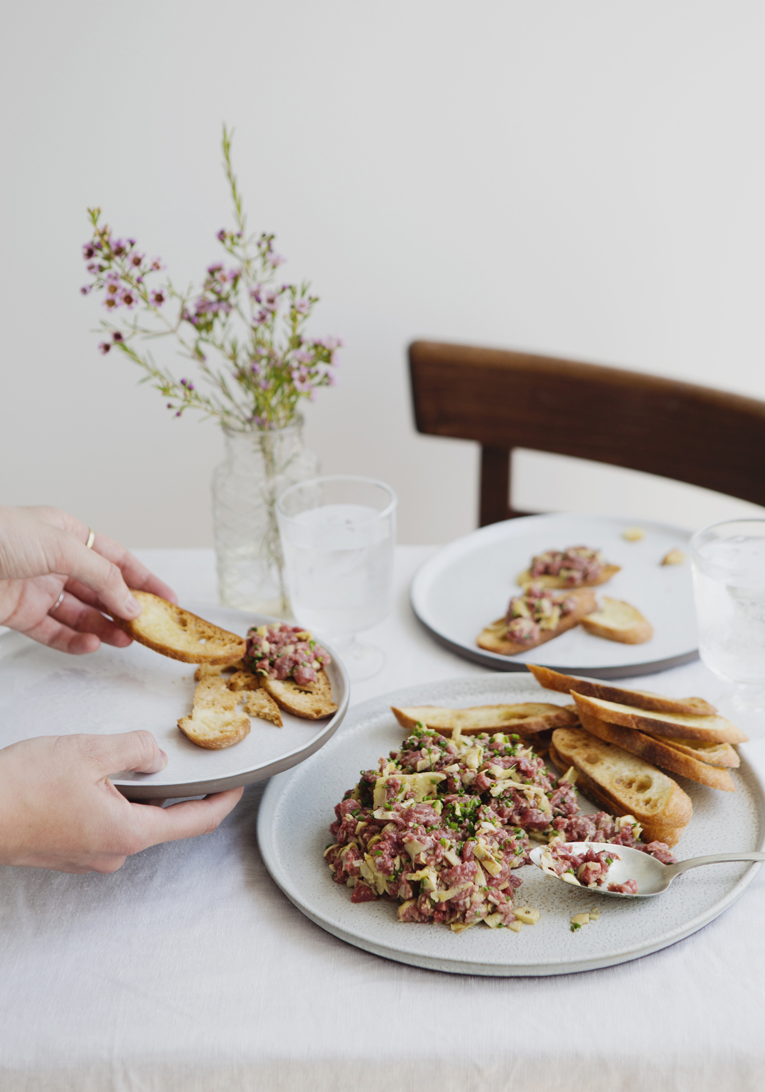 Parmesan & artichoke beef tartare