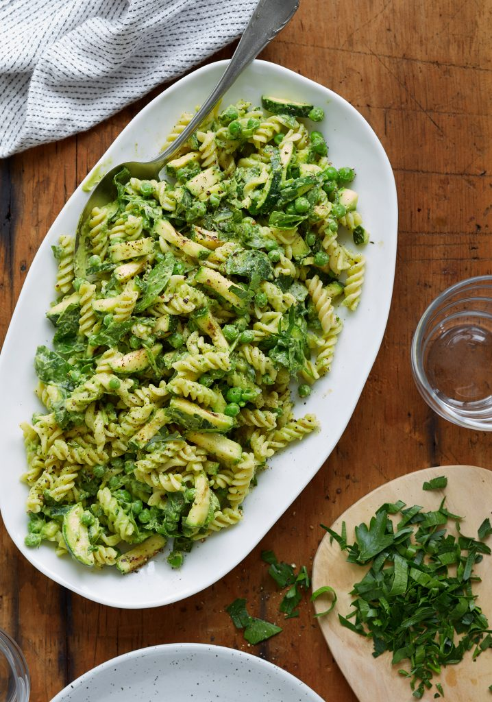 Salade de pâtes ultra-verte & mayonnaise d'avocat