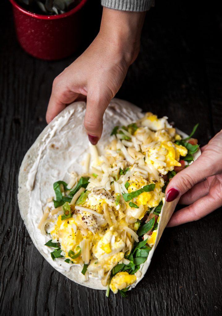 Sandwich roulé à l'omelette