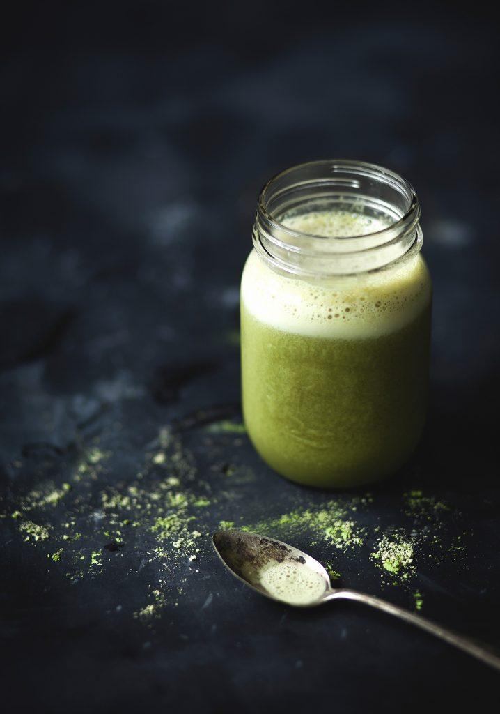 Smoothie au thé vert, banane & érable