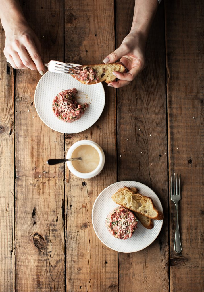 Sesame beef tartare