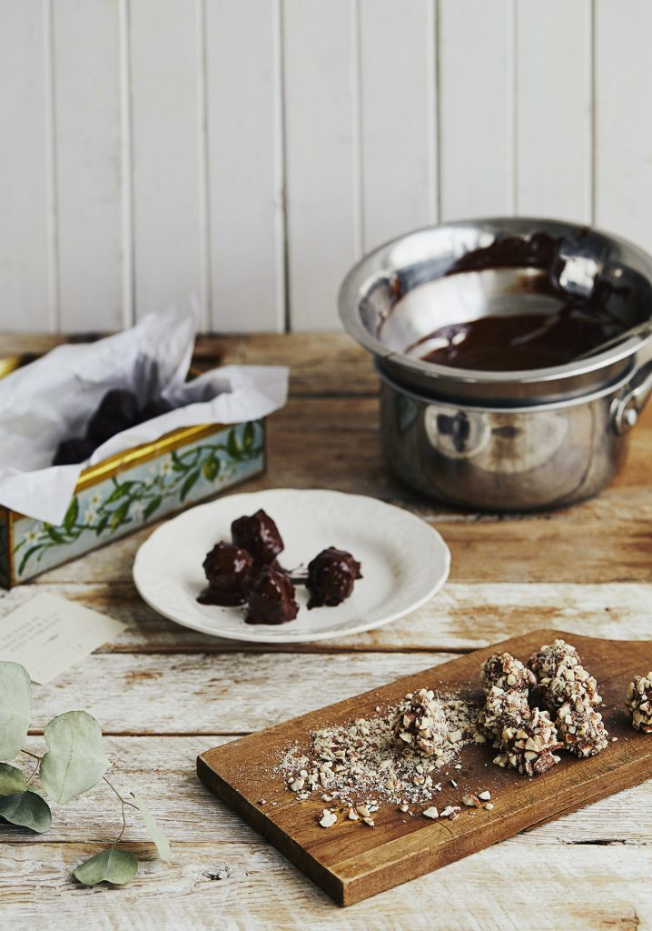 Truffes à la pâte d'amandes, aux amandes & au chocolat