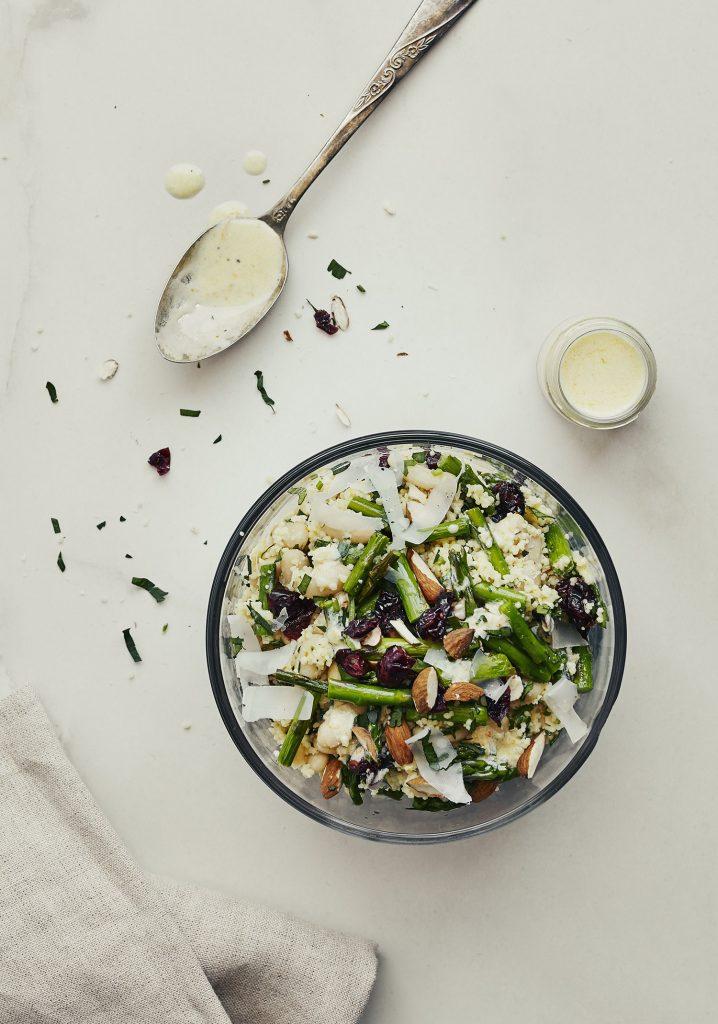 Salade de couscous, asperges et haricots blancs & vinaigrette à l'orange