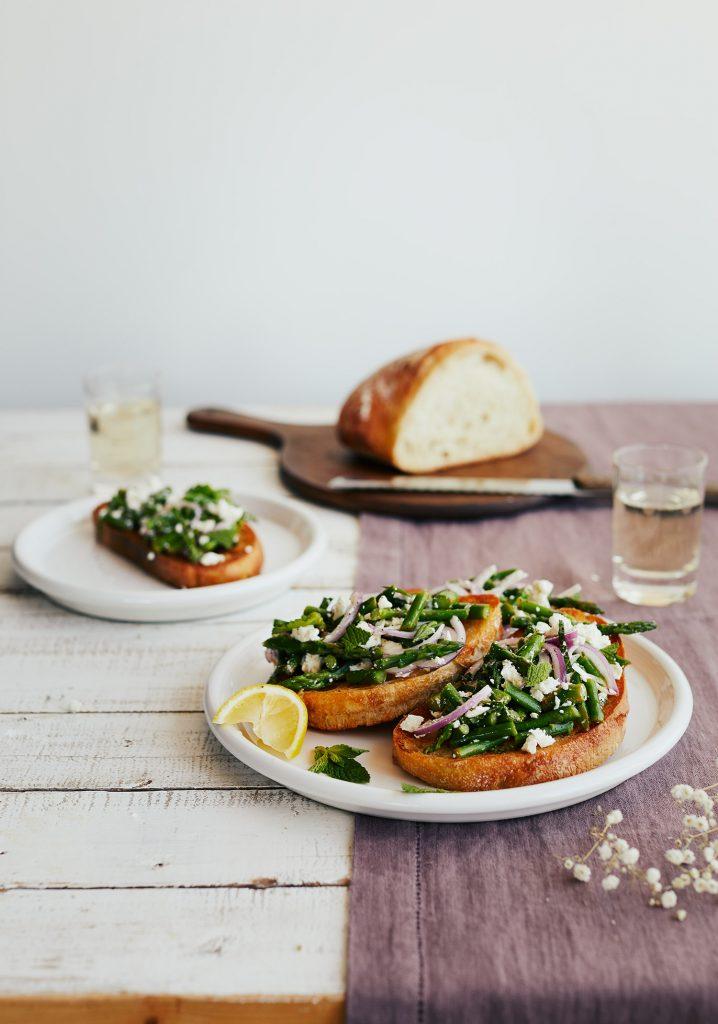 Tartines aux asperges & au féta