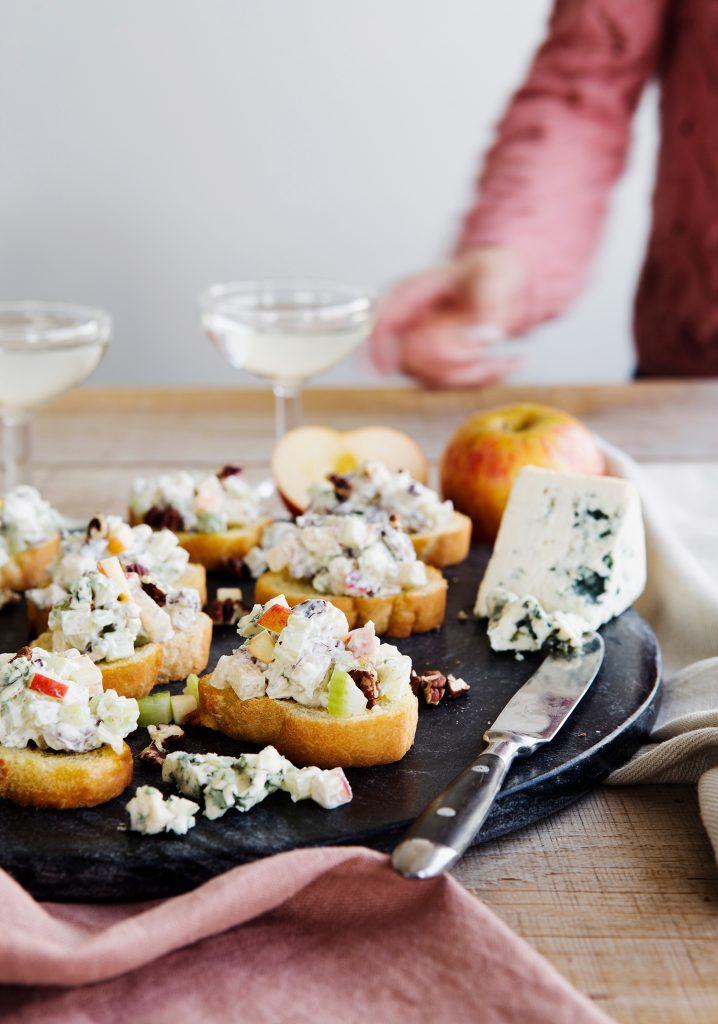 Bouchées au fromage bleu, à la pomme & aux pacanes