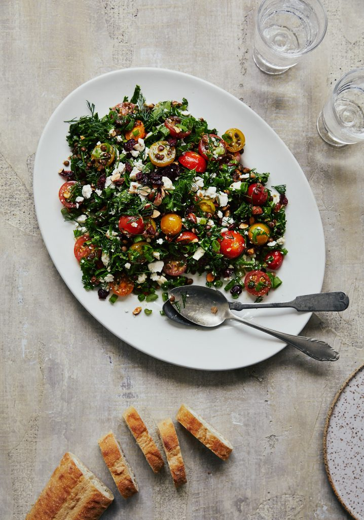 Salade de kale, lentilles, tomates & féta