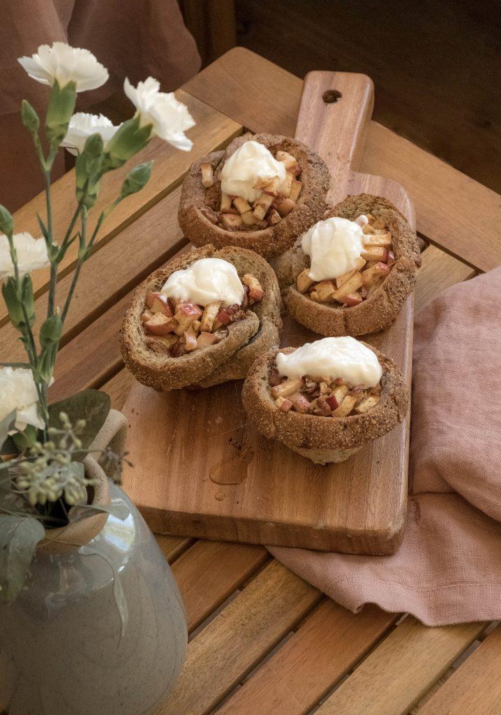 Nids de pain aux pommes & aux pacanes