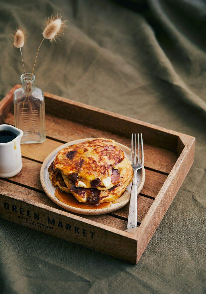 Pancakes au bacon & au fromage en grains