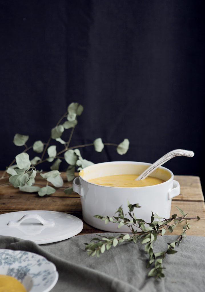 Soupe épicée à la courge & au beurre d'arachide