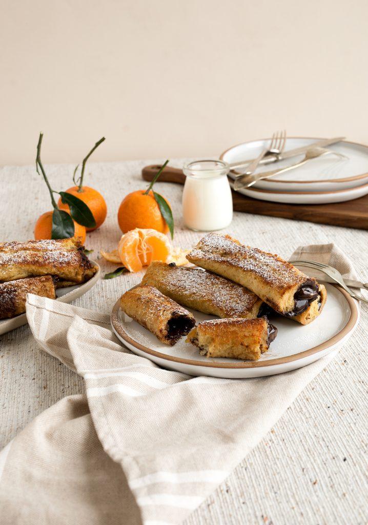 Rouleaux de pain doré farcis au chocolat & aux clémentines