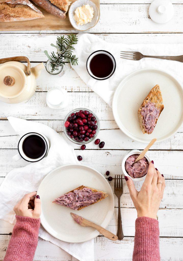 Tartinade rubis aux canneberges, au chocolat blanc & aux pacanes