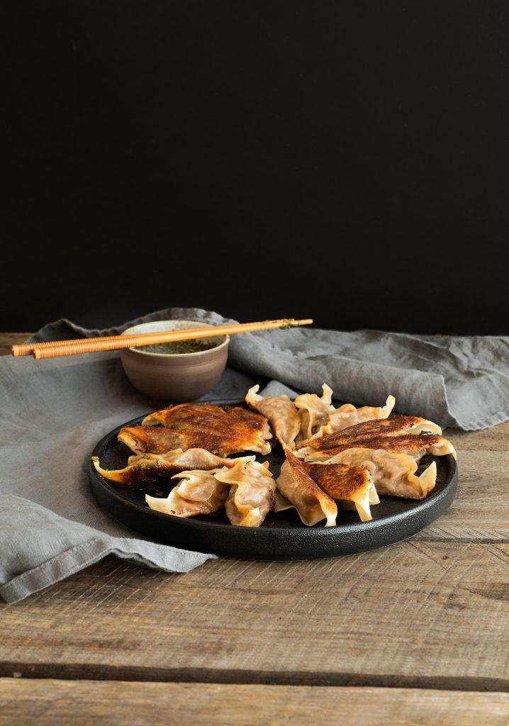 Dumplings aux côtes levées & sauce à la roquette et au vinaigre balsamique
