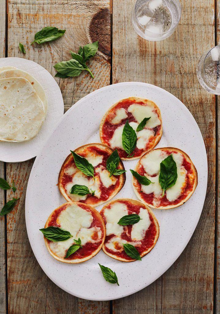 Pizzas Margherita sur tortillas