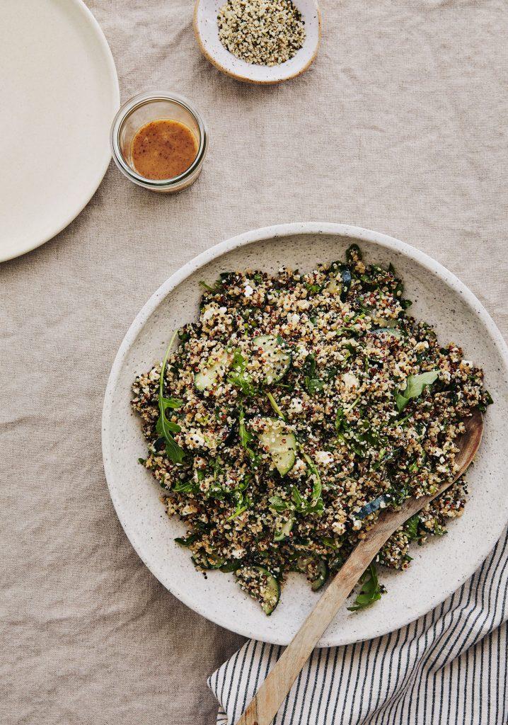 Salade de quinoa aux herbes et aux graines de chanvre biologiques Orijin & vinaigrette au sumac