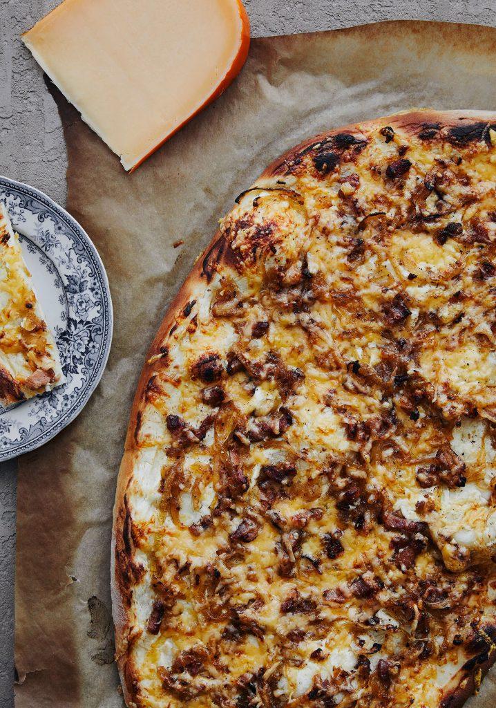 Flammekueche gratinée au fromage Louis Cyr