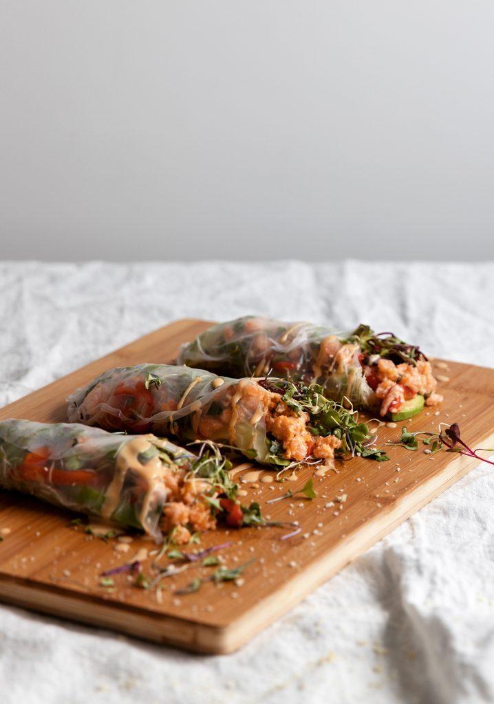 Rouleaux de printemps au tartare de saumon