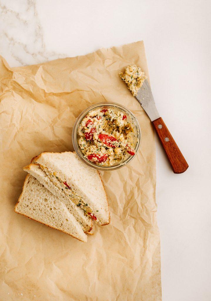 Sandwich à l'écrasé de pois chiches